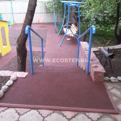 Детская площадка и лестница