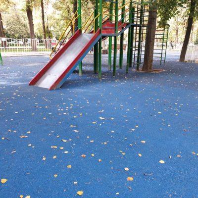 Детская площадка на бульваре Эркиндик(Московская/Боконбаево) - 1